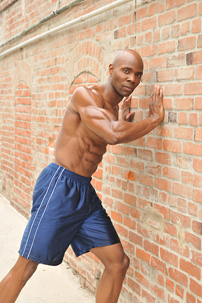 Top Fitness Model Obi Obadike Signs As A Sponsored Fitness Model Athlete With SmithBryant Labs